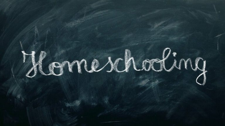 Wie gelingt Homeschooling? Hilfreiche Tipps und Tricks für Eltern